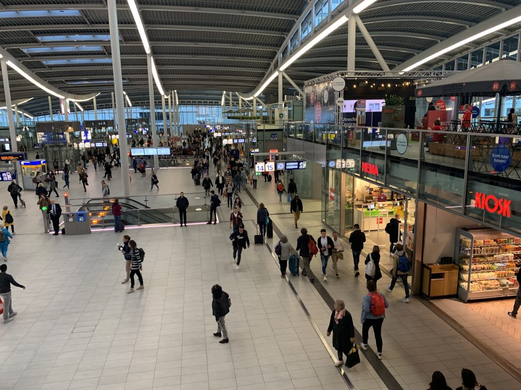 My 3 favorite spots to grab food at Utrecht Centraal